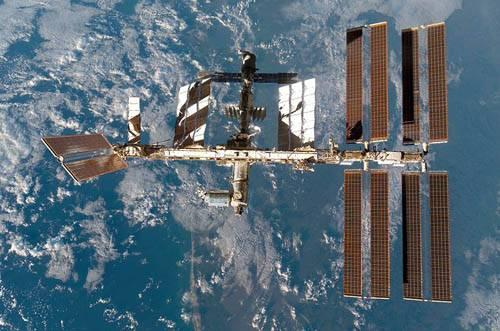 Vienas iš ryškiausių dangaus kūnų - Tarptautinė Kosminė Stotis