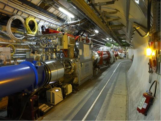 LHC greitintuvo tunelyje
